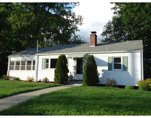 7 Meadowbrook Rd, Hudson, MA 01749