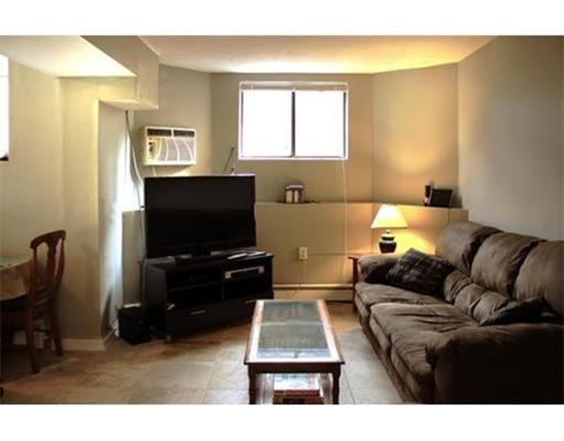 独户住宅 为 出租 在 133 Chiswick Road 波士顿, 马萨诸塞州 02135 美国