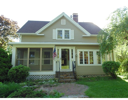 Casa Unifamiliar por un Venta en 98 WALNUT Street 98 WALNUT Street North Brookfield, Massachusetts 01535 Estados Unidos