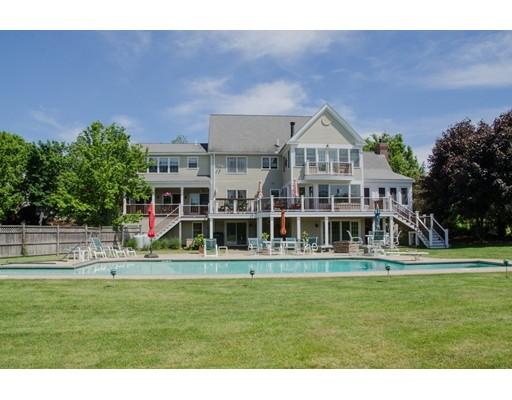独户住宅 为 销售 在 690 Bay Road 690 Bay Road 汉密尔顿, 马萨诸塞州 01982 美国