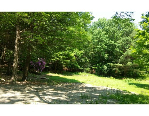 Terreno por un Venta en Address Not Available Middlefield, Massachusetts 01243 Estados Unidos