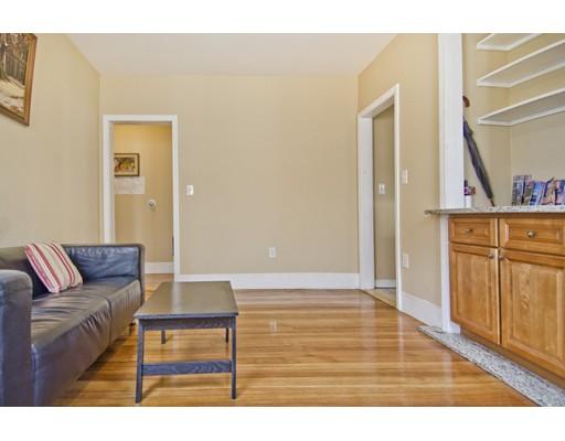 Casa Unifamiliar por un Alquiler en 18 Chase Street Boston, Massachusetts 02125 Estados Unidos
