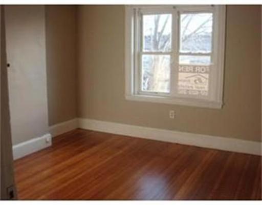 独户住宅 为 出租 在 493 Broadway Somerville, 马萨诸塞州 02145 美国