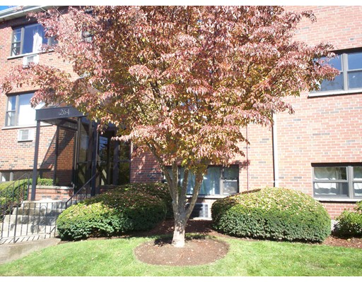 Additional photo for property listing at 268 Grove Street  Newton, Massachusetts 02466 Estados Unidos