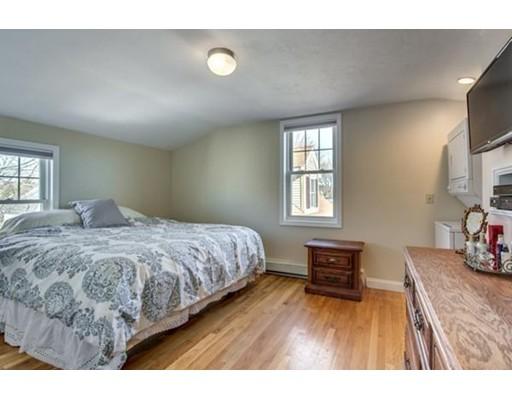独户住宅 为 出租 在 18 Munroe Avenue 沃尔瑟姆, 马萨诸塞州 02453 美国