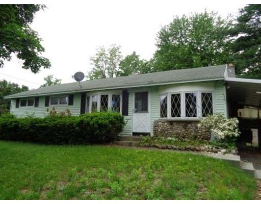 独户住宅 为 销售 在 216 Greenaway Springfield, 马萨诸塞州 01109 美国