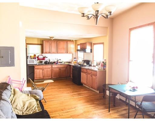 独户住宅 为 出租 在 36 Dehon Street Revere, 马萨诸塞州 02151 美国