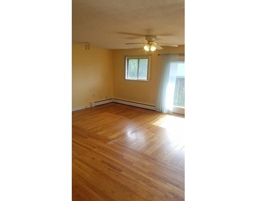 Additional photo for property listing at 8 Cresent drive  Andover, Massachusetts 01810 Estados Unidos