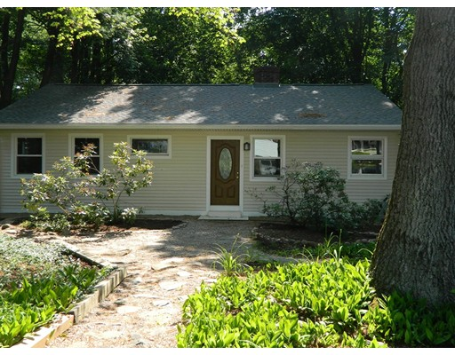 Single Family Home for Sale at 11 Wildwood Lane Amherst, Massachusetts 01002 United States