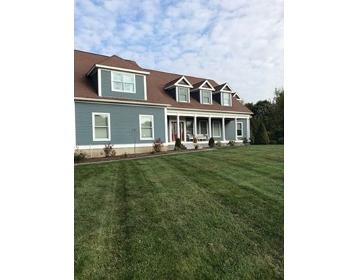 Single Family Home for Sale at 35 Forestdale Road Paxton, Massachusetts 01612 United States