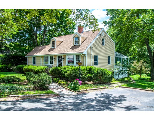 207 East St, Lexington, MA 02420