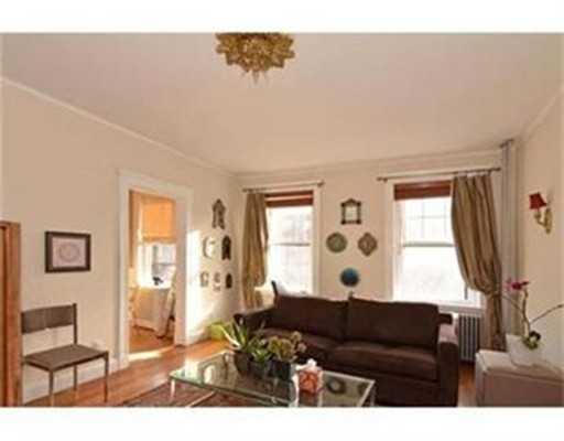 Additional photo for property listing at 1949 Commonwealth Avenue  Boston, Massachusetts 02135 United States