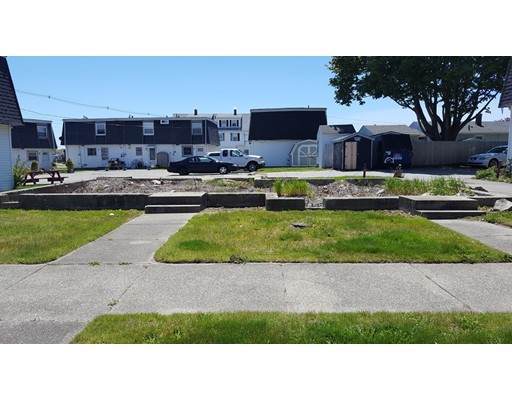 Additional photo for property listing at 114 Osborn Street  New Bedford, Massachusetts 02740 United States