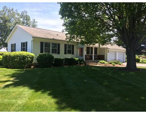 Частный односемейный дом для того Продажа на 563 Pine Meadow Northfield, Массачусетс 01360 Соединенные Штаты