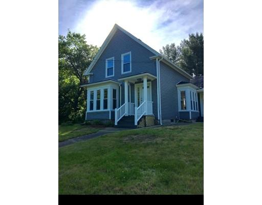 Maison unifamiliale pour l Vente à 409 Hartford Avenue Bellingham, Massachusetts 02019 États-Unis