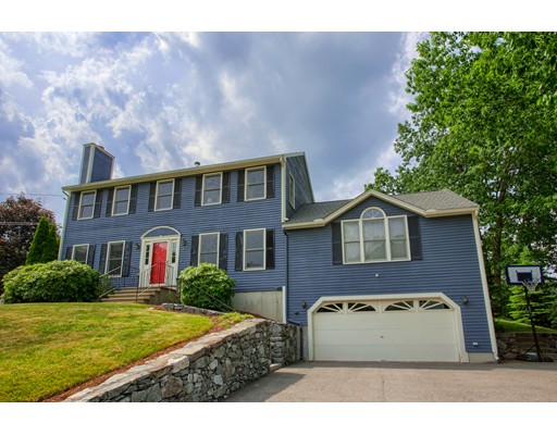 Casa Unifamiliar por un Venta en 88 Bernice Avenue Leominster, Massachusetts 01453 Estados Unidos