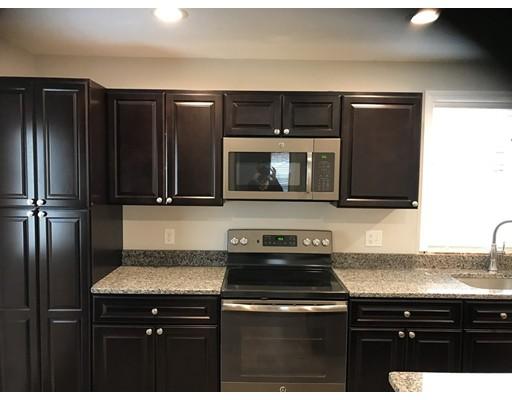 Частный односемейный дом для того Аренда на 131 Arch Street Middleboro, Массачусетс 02346 Соединенные Штаты