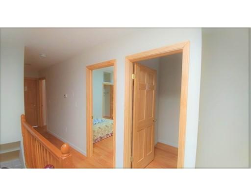 Casa Unifamiliar por un Alquiler en 10 Moreland Street Boston, Massachusetts 02119 Estados Unidos
