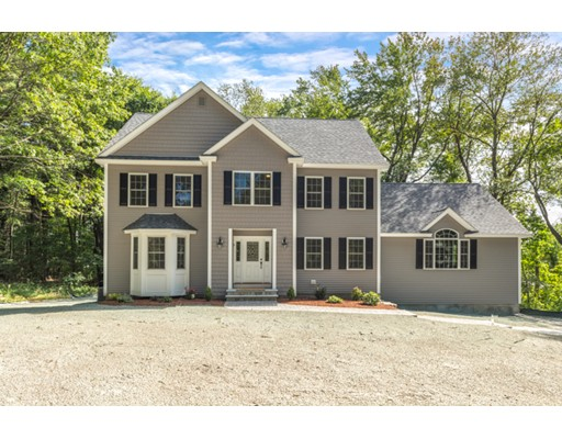 Single Family Home for Sale at 9 NICHOLS STREET North Reading, Massachusetts 01864 United States