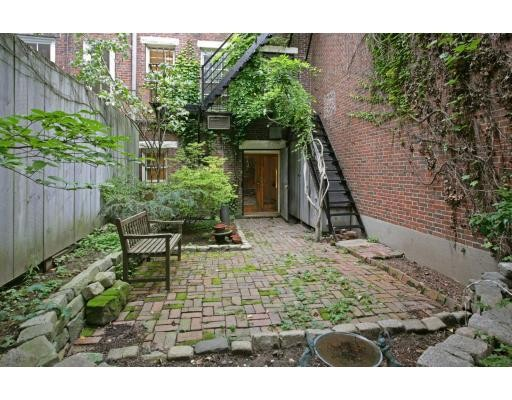 Additional photo for property listing at 97 West Cedar  Boston, Massachusetts 02114 United States