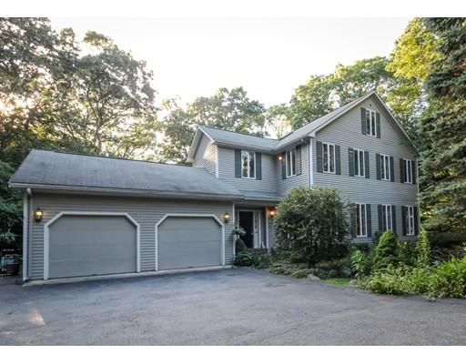 Частный односемейный дом для того Продажа на 3 Maxcy Street Attleboro, Массачусетс 02703 Соединенные Штаты