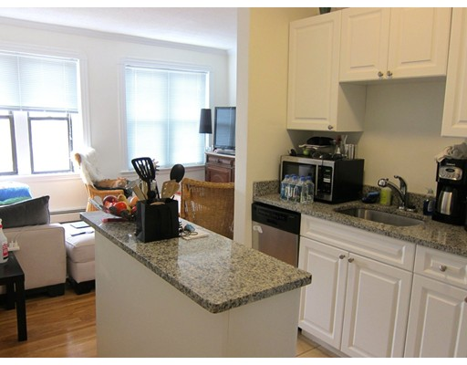 Additional photo for property listing at 96 West Cedar  波士顿, 马萨诸塞州 02114 美国