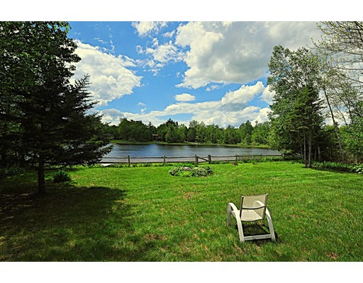 Single Family Home for Sale at 298 Long Bow Ln E 298 Long Bow Ln E Becket, Massachusetts 01223 United States