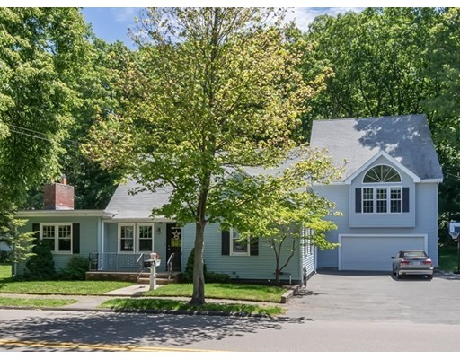 独户住宅 为 销售 在 195 Jenness Street 林恩, 马萨诸塞州 01904 美国