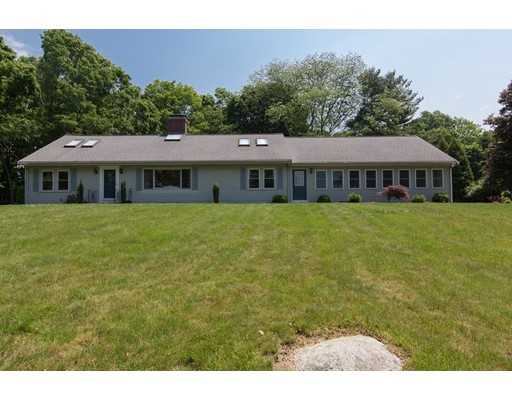14 John St, Southborough, MA 01772