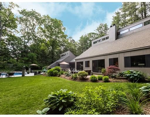 Single Family Home for Sale at 27 Miles River Hamilton, Massachusetts 01982 United States