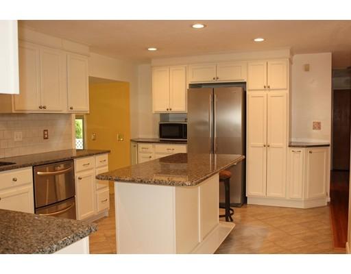 Additional photo for property listing at 220 Marshall Street  图克斯伯里, 马萨诸塞州 01876 美国