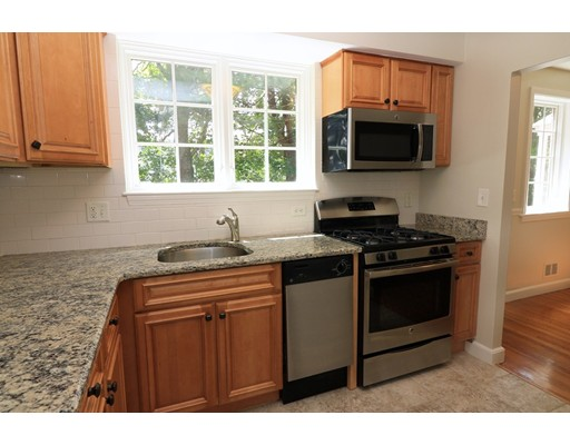 Condominio por un Venta en 63 Linden St. #8 63 Linden St. #8 Wellesley, Massachusetts 02482 Estados Unidos