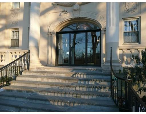 Casa Unifamiliar por un Alquiler en 74 Fenway Boston, Massachusetts 02115 Estados Unidos
