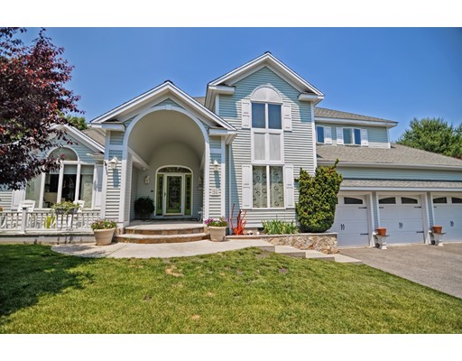 واحد منزل الأسرة للـ Sale في 26 ORSINI DRIVE Wakefield, Massachusetts 01880 United States