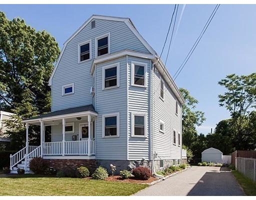 Maison unifamiliale pour l Vente à 9 Tyler Avenue Medford, Massachusetts 02155 États-Unis
