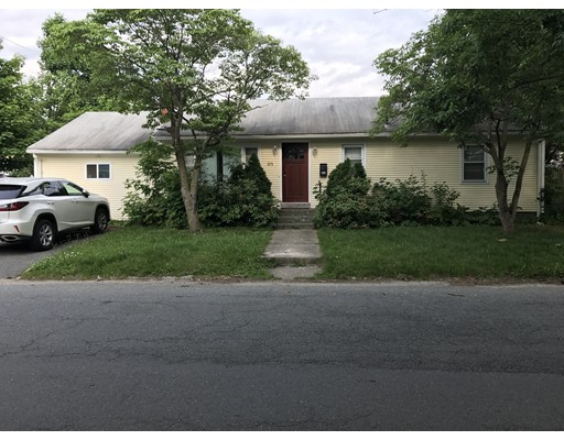 Additional photo for property listing at 133 Beachmont  Cranston, Rhode Island 02905 United States