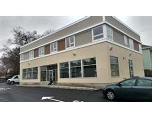 商用 为 出租 在 423 Belmont Street 423 Belmont Street 布罗克顿, 马萨诸塞州 02301 美国