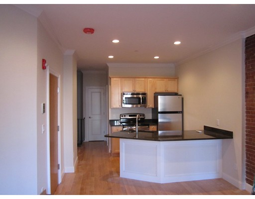 Additional photo for property listing at 16 Hull  Boston, Massachusetts 02113 United States