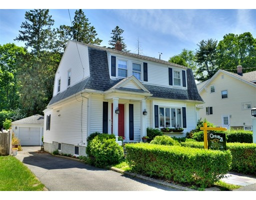 独户住宅 为 销售 在 16 Summit Avenue 昆西, 马萨诸塞州 02170 美国
