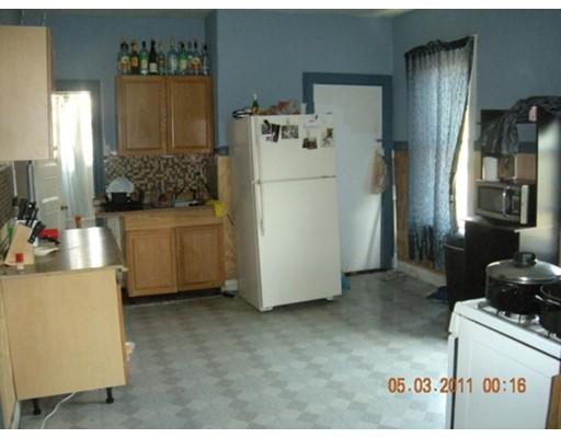 Casa Unifamiliar por un Alquiler en 107 Heath Street Boston, Massachusetts 02130 Estados Unidos