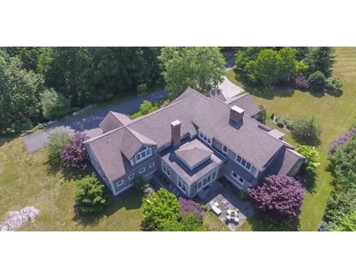 Casa Unifamiliar por un Venta en 137 Centre Street 137 Centre Street Dover, Massachusetts 02030 Estados Unidos