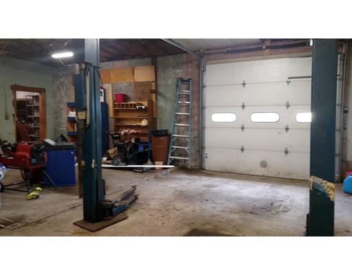 Commercial للـ Rent في 181 East Main Street 181 East Main Street Orange, Massachusetts 01364 United States