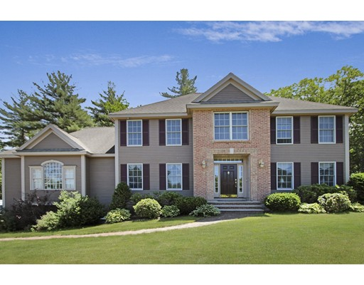 واحد منزل الأسرة للـ Sale في 2 Esty Way Groveland, Massachusetts 01834 United States