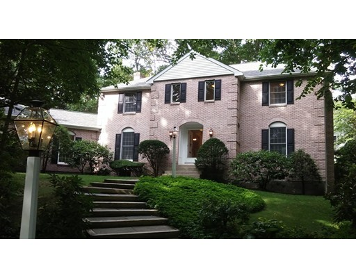 واحد منزل الأسرة للـ Rent في 75 Old Farm Road 75 Old Farm Road Wellesley, Massachusetts 02481 United States