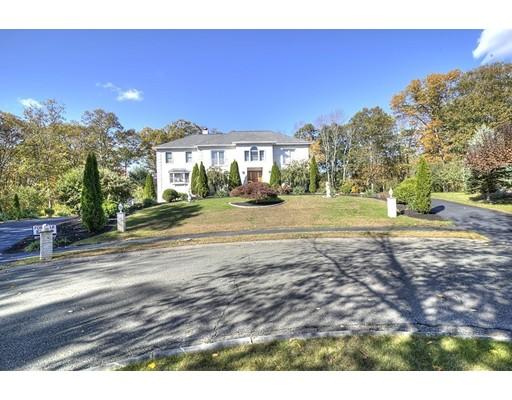 Maison unifamiliale pour l Vente à 10 Bishop Lane Middleton, Massachusetts 01949 États-Unis