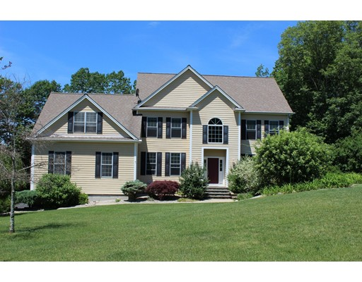 Maison unifamiliale pour l Vente à 9 Murphys Way Uxbridge, Massachusetts 01569 États-Unis