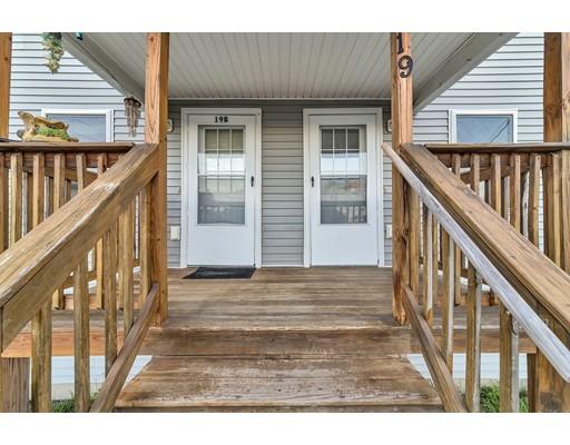 多户住宅 为 销售 在 19 Temple Street Holyoke, 马萨诸塞州 01040 美国