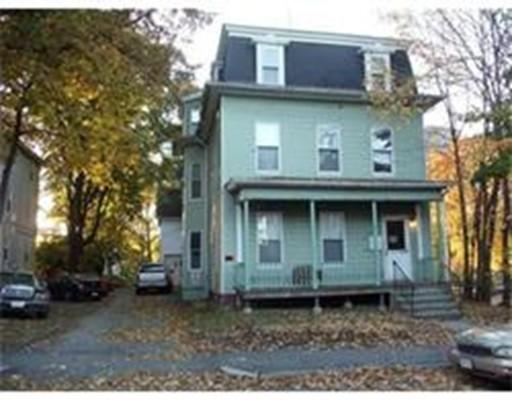 Casa Unifamiliar por un Alquiler en 33 Russell Street Worcester, Massachusetts 10609 Estados Unidos