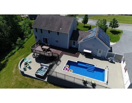 Maison unifamiliale pour l Vente à 19 Hyland Avenue Leicester, Massachusetts 01524 États-Unis
