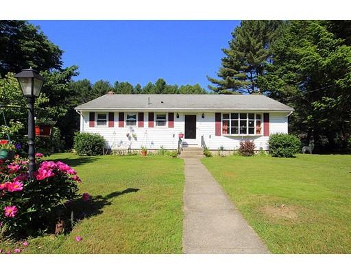 Maison unifamiliale pour l Vente à 73 Adelaide Road 73 Adelaide Road Glocester, Rhode Island 02814 États-Unis